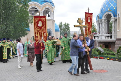 Троица 2015г. Освящение креста на храм сщмчч. Власия и Харалампия.