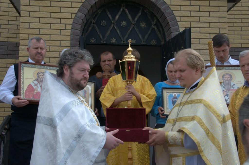 Первая литургия в храме Власия и Харалампия в Братеево 11.07.2015г.